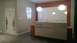 dekoracje - podświetlany ząb